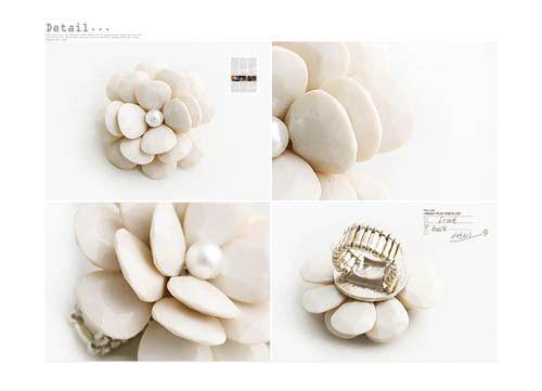 Fashion Crystal cream Big flower Ring Adjustable